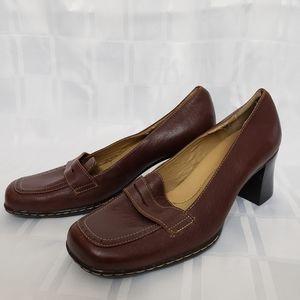 Solos Women's Wedge Dress Shoe